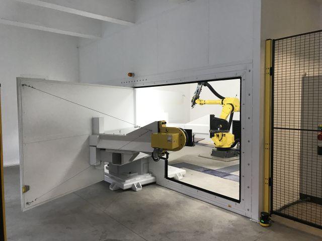 zvráranie laserom robot